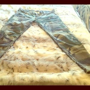 Elizabeth and James low rise camo skinny,